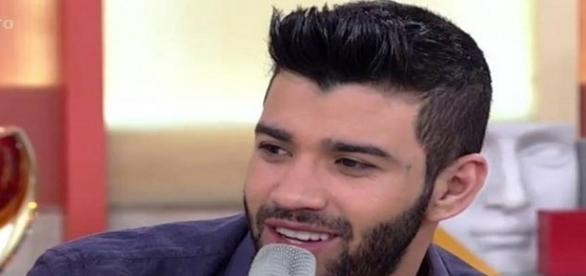 gusttavo-lima-foi-entrevistado-pelo-programa-encontro-na-rede-globo_1358795