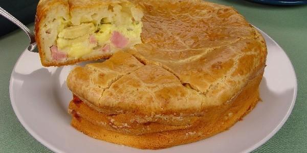 torta-cremosa-de-queijo-e-presunto