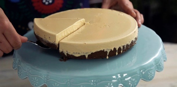 84cnzp0itw1q_2b2dKLvm8wYsQGG886W4ks_cheesecake-de-doce-de-leite_landscapeThumbnail_pt